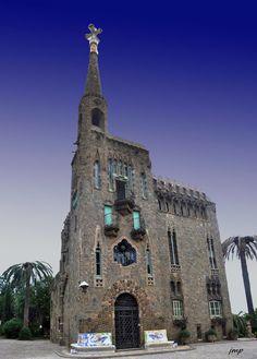 TOT PASSEJANT: Torre Bellesguard. Antoni Gaudí