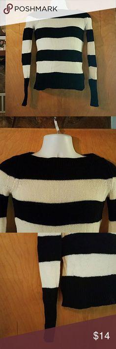 "j.crew xxs black white striped merino wool sweater xxs,  black and white striped, merino wool, knit, long sleeves. sleeve length 26"", pit to pit 15"", length of sweater 21"" J. Crew Sweaters Crew & Scoop Necks"