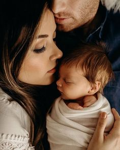 newborn photography Jesse Salter Photography sur I - photography Newborn Family Pictures, Newborn Baby Photos, Newborn Shoot, Maternity Pictures, Pregnancy Photos, Baby Pictures, Family Photos, New Baby Photos, Birth Photos