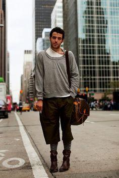 The Sartorialist: India! Mens Fashion Casual Shoes, Men Fashion Show, Mens Fashion Blog, Mens Fashion Suits, Urban Fashion, Men's Fashion, Street Fashion, Fashion Design, The Sartorialist