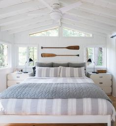 Perfect Coastal Bedroom Decorating Ideas To Apply Asap - If you're looking to decorate your home in beach home decor, there's no better place to start than in the bedroom. Costal Bedroom, Beach Bedroom Decor, Beach House Bedroom, Nautical Bedroom, Beach Cottage Decor, Gray Bedroom, Home Bedroom, Bedroom Ideas, Coastal Cottage