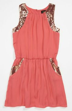 Coral dress with gols sequens adorable!