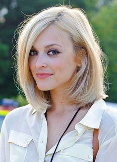 Coiffure cheveux carre .  http://www.pinterest.com/adisavoiaditrev/