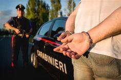 Adescano ventenne in chat e lo picchiano per rapinarlo - http://www.sostenitori.info/adescano-ventenne-chat-lo-picchiano-rapinarlo/226030