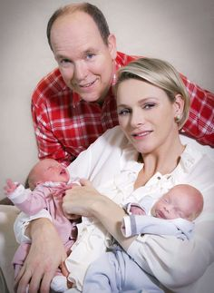 First pictures of Prince Albert & Charlene of Monaco with their twins