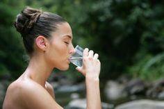 5 Easy-to-implement Fitness Hacks For A Healthy Life – The Health Science Journal Getting Rid Of Gas, Getting Rid Of Bloating, Fitness Hacks, Ayurveda Kur, Ayurvedic Healing, Detox Yoga, Benefits Of Drinking Water, Elixir Of Life, Strength Training