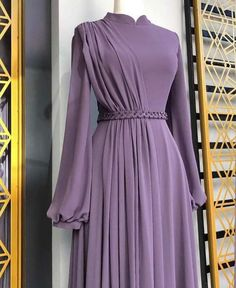 Simple Bridesmaid Dresses, Prom Dresses With Sleeves, Modest Dresses, Stylish Dresses, Pretty Dresses, Long Skirt Fashion, Abaya Fashion, Fashion Dresses, Hijab Evening Dress