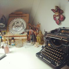 I wish it was my desk. ∆ Peace, love and a little tragedy ♡
