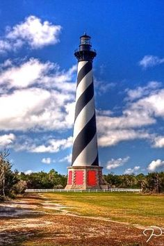 Cape Hatteras Lighthouse, North Carolina - This weeks travel pinspiration on the blog! by herminia
