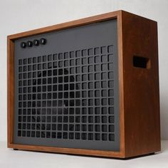 Graeme's Architecturally Inspired Handmade Guitar Amplifier #DIY #midcentury