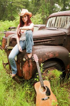 ♥ the old truck and guitar!