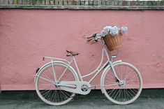 79ideas-lovely-bike-and-pink-wall.png (722×480)