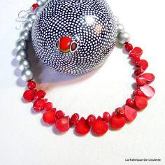Collier Argent et Corail, Collier Bois et corail, Corail Rouge, Collier Perles Argent et Rouge, Collier fin, Collier léger, Coral beads, de la boutique LaFabriqueDeLoulette sur Etsy