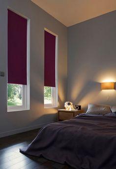 La ventaja de los estores es que pueden oscurecer las estancias dejando la pared libre, y, por qué no, aportar un punto de color.