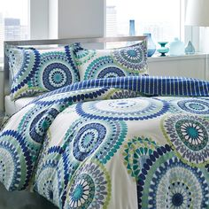 City Scene keeps your bedroom in fashion with its iconic contemporary looks. Its Radius duvet cover set is no exception. It features a medallion pattern and a stripe reverse in an aqua, blue, green and white finish. Teen Girl Bedrooms, Teen Bedroom, Dream Bedroom, Master Bedroom, Tranquil Bedroom, Teen Rooms, Kids Rooms, Master Suite, Master Bath