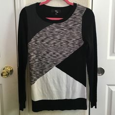 Cute color block sweater Never worn . Super soft & lightweight. Color block . Add a statement necklace . Dress up, dress down . Mossimo Supply Co Sweaters Crew & Scoop Necks