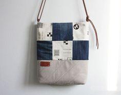 DIY Denim Bag Made with Recycled Jeans. Pattern & Tutorial.