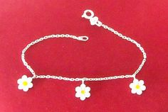 i love daisys. daisies? this is a rare find because it is not gold for once. #ionlywearsilverjewelry