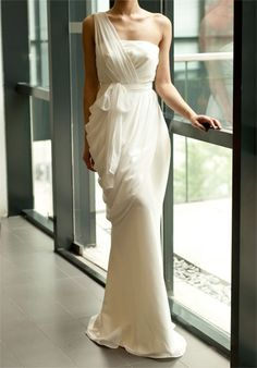 Fashionable One Shoulder Morality Wedding Dress