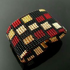 Bead loomed bracelet with rectangle pattern - Schmuck Loom Bracelet Patterns, Bead Loom Bracelets, Bead Loom Patterns, Beaded Jewelry Patterns, Beading Patterns, Beading Ideas, Bead Crochet, Loom Beading, Bead Crafts