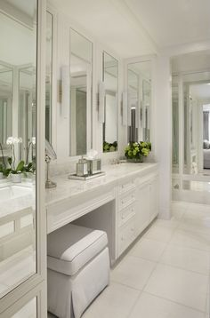 I want a makeup/hair fixing station Bathroom With Makeup Vanity, Master Bathroom Vanity, Bathroom Styling, Bathroom Interior Design, Small Bathroom, Bathroom Renos, Washroom, Bathroom Ideas, Master Bath Remodel