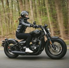 15 Trendy Ideas For Bobber Motorcycle Girl Heels Triumph Bobber, Triumph Motorcycles, Custom Motorcycles, Custom Bikes, Triumph Bonneville, Indian Motorcycles, Scooter Motorcycle, Cafe Racer Motorcycle, Motorcycle Quotes