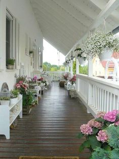 front porch decor ideas - Porches have their background in very early America and are frequently related to a simpler time and lifestyle, Best Rustic Farmhouse Front And Back Porch Designs Ideas Summer Porch Decor, Veranda Design, Farmhouse Front Porches, Rustic Farmhouse, Southern Front Porches, Farmhouse Shutters, Farmhouse Ideas, Building A Porch, Building Homes