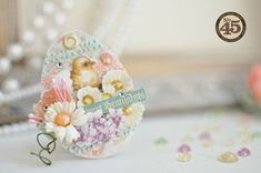 The beautiful Sweet Sentiments egg mini album by Maiko has the most stunning details #graphic45 #minialbum #easter