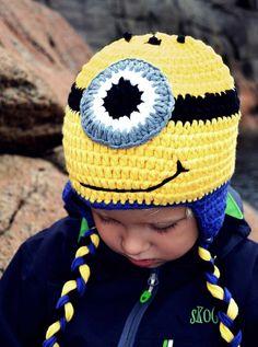Hekla Minion Lue Minions, Crochet Hats, Barn, Knitting Hats, Converted Barn, The Minions, Barns, Sheds