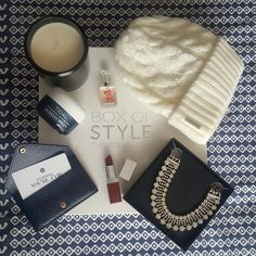 Finalmente esta aquí!!! Todo lo que necesitamos para lucir chic en días de invierno. Amo la caja y todos los productos dentro 😍😍😍. Finally is here!!! Everything we need to look chic on winter days. I love the box and all the products inside. #boxofstyle @tzrboxofstyle @rachelzoe