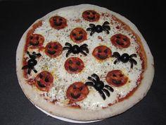 Pizza con arañas y calabazas