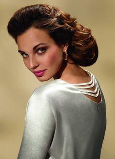 Coiffure chignon cheveux longs par Dessange ♥ http://salon.dessange.com/thonon/