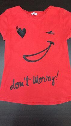 Tee shirt pimkie rouge smileys  de marque Pimkie. Taille 38 / 10 / M à 3.00 € : http://www.vinted.fr/mode-femmes/tee-shirts/44133155-tee-shirt-pimkie-rouge-smileys.