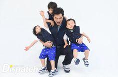 ayah supermen... kanan kiri belakang... selalu seperti ini... hebat...Daehan, Minguk, Manse and appa | KIA CF BTS