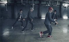 EXO, gotta love their dance moves