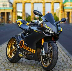Life Crisis, Bike Life, Ducati, Badass, Motorcycles, Cars, Street, Accessories, Sportbikes
