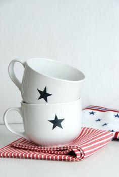 stars and stripes Long Island, Working At Starbucks, Diy Mugs, Keramik Vase, Ceramic Tableware, Twinkle Twinkle Little Star, Red White Blue, Tea Cups, How To Memorize Things