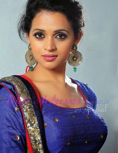 Bhavana For the Grihalakshmi shoot in blue dress - only cute actresses Beautiful Girl Photo, Beautiful Girl Indian, Most Beautiful Indian Actress, Beautiful Women, Cute Beauty, Beauty Full Girl, Beauty Women, India Beauty, Asian Beauty