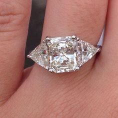 2.33ct radiant cut with trillions