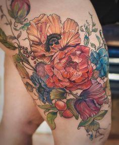 Colorful peony and poppy flower woman tattoo - aubrey mennella Botanisches Tattoo, Cover Tattoo, Piercing Tattoo, Back Tattoo, Body Art Tattoos, Sleeve Tattoos, Piercings, Tatoos, Wing Tattoos