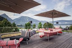 Loungebereich mit Seeblick #Restaurant #Hias #Terasse #Loungemöbel #Moroso #Mafrique #italiandesign #interiordesign #createidentity #area