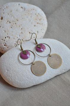 Boucles d'oreilles avec sequin prune et bronze : Boucles d'oreille par libelula-crea