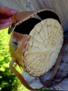 Discover thousands of images about Olga Ryzhkova - - Handmade Handbags, Leather Bags Handmade, Handmade Bags, Leather Pouch, Leather Purses, Diy Sac, Ethnic Bag, Basket Bag, Crochet Handbags