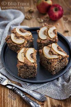 Prajitura cu mere si nuci walnuts and apples cake Romanian Food, Romanian Recipes, Cooking Recipes, Healthy Recipes, Apple Cake, Food Cakes, Vegan Sweets, Banana Bread, Cake Recipes