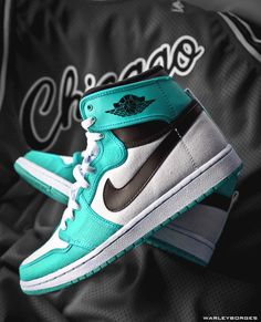 Don't generally like light greenish things, but these are cool