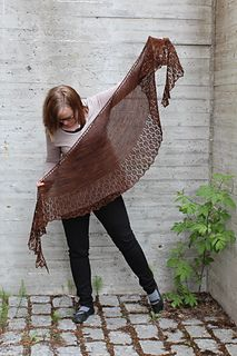Eyeblink by Heidi Alander - free knitting pattern for a fingering weight shawl