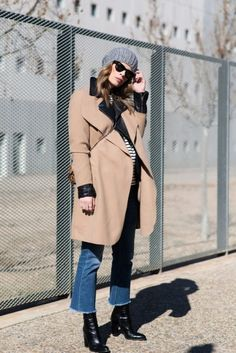 cute spring trench wiith cropped flare jeans, and ankle boots.