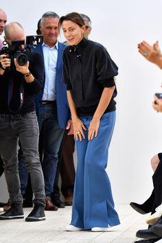 2011 Phoebe Philo remporte le prix international lors des CFDA fashion Awards, à New York.   Crédit photo : Getty Images