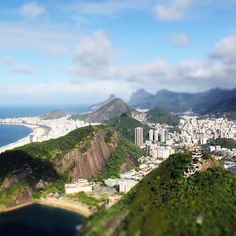 View from the Sugar Loaf Mointain, Rio de Janeiro, Brazil    // Exploya - A new travel planning experience.   www.exploya.com  #sugarloaf #sugarloafmountain #rio #riodejaneiro #brazil #southamerica #guanabara #cableway #backpack #backpacker #backpacking #exploya #startup #travel #travels #travelingram #traveling #travelgram #travelling #traveler #travelphotography #traveller #traveltheworld #travelpics #travelphoto #travellife #traveladdict #takemethere #bucketlist #wanderlust
