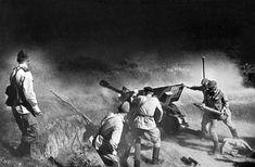 Soldados soviéticos abren fuego contra el enemigo. Caúcaso del Norte. © RIA Novosti Max Alpert
